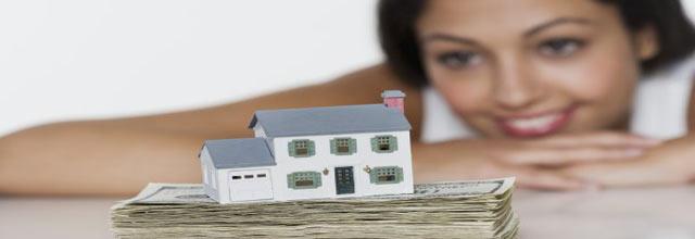 La demanda de las mujeres por vivienda igualó a la de hombres