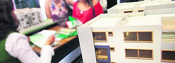 Algunas inmobiliarias empiezan a aplicar un tipo de cambio menor para no frenar ventas